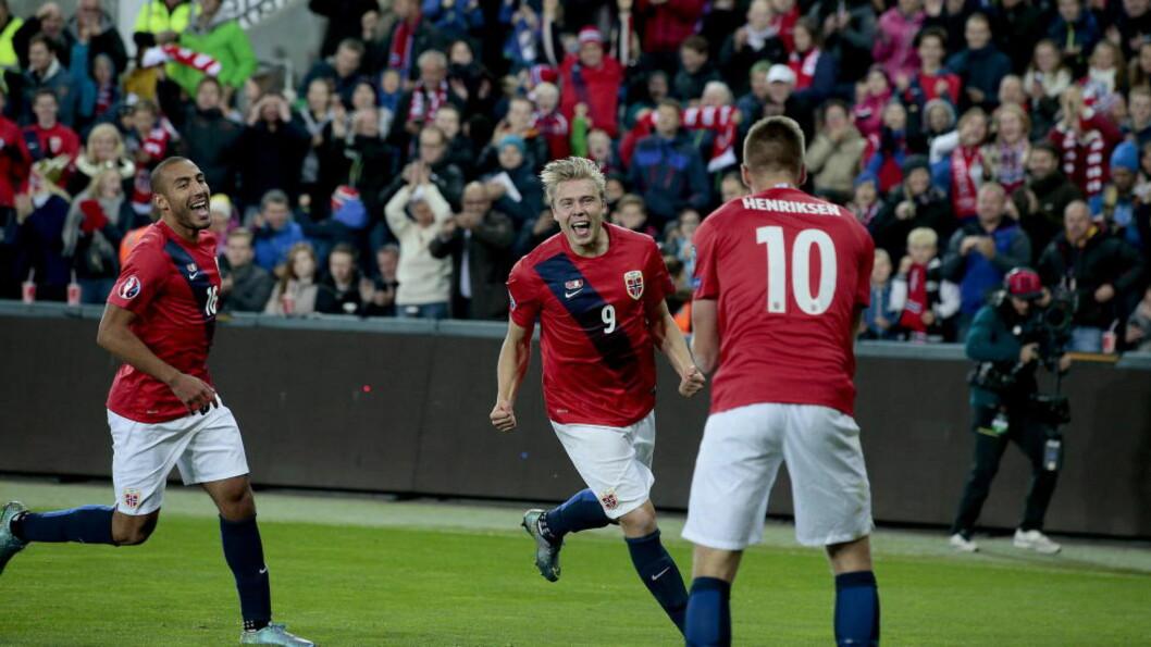MER JUBEL? Norge og Alexander Søderlund fikk noe å juble for lørdag. I kveld er det storkamp i Roma. Foto: Bjørn Langsem / Dagbladet