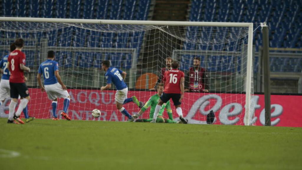 HJEMMETRIUMF:  Italia vant 2-1 over Norge. Her utlikner Alessandro Florenzi.