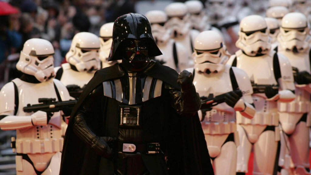 THE REAL DEAL: Darth Vader har fått en uventet kloning i Polen: Foto: AP Photo/Alastair Grant)