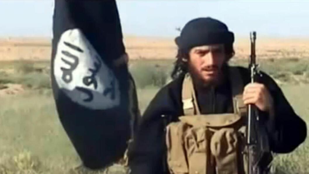 BEKREFTER DØDSFALL: IS-talsmann Abu Mohammad al-Adnani bekrefter at organisasjonens nestkommanderende er blitt drept. Samtidig oppfordrer han til hellig krig mot Russland og USA. Foto: AFP PHOTO / YOUTUBE / NTB scanpix