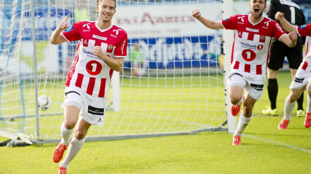 FORLENGET: Jonas Johansen (30, foran) og Hans Norbye (28) har skrevet under på hver sin toårsavtale med eliteserieklubben Tromsø IL. Foto: Jon Olav Nesvold / NTB scanpix