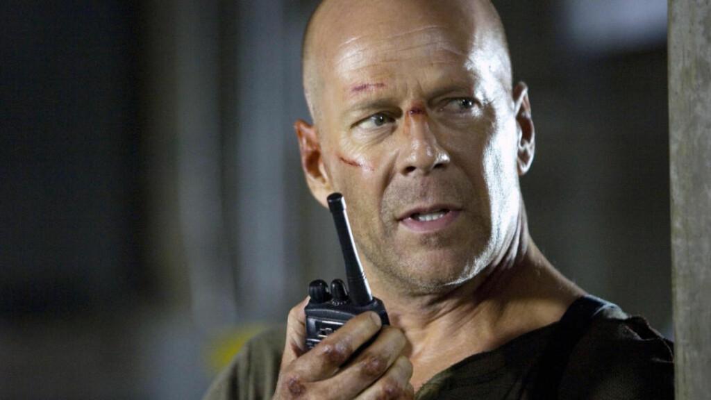 TILBAKE I TID: Bruce Willis skal fremdeles delta i neste «Die Hard»-film, selv om den plasseres i 1979. Her fra den fjerde «Die Hard»-filmen fra 2007. Foto: Scanpix