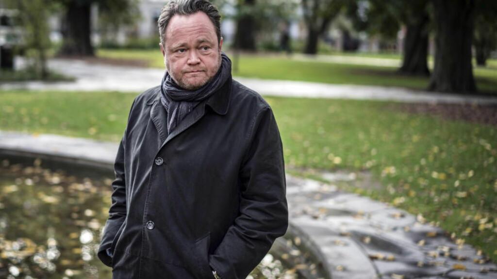 OVERRASKET:  TV 2s utenriksreporter, Fredrik Græsvik, har skrevet bok om Israel-Palestina-konflikten. Han er overrasket over kritikken som nå kommer fra den israelske ambassaden. Foto: Øistein Norum Monsen / Dagbladet