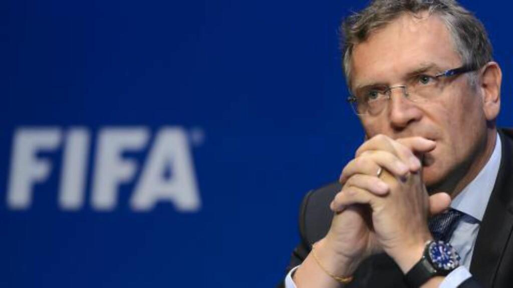 SKUFFET: Kjetil Siem har hatt mye med tidligere FIFA-generalsekretær Jérôme Valcke å gjøre. Han sier avsløringene av Valcke gjør ham skuffet. Foto: AFP / NTB scanpix