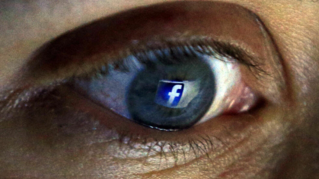 FAKEBOOK? En fersk undersøkelse viser at så mange som 75 prosent av de spurte pynter på sannheten i sosiale medier. Illustrasjonsfoto: NTB Scanpix.