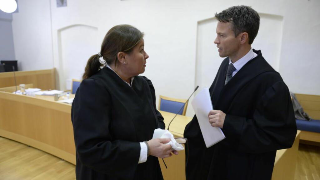 UENIGE: Advokat Vibeke Hein Bæra kalte bevisbildet broket. Aktor Håvard Kalvåg mente mannen burde forvares. Foto: John Terje Pedersen / Dagbladet