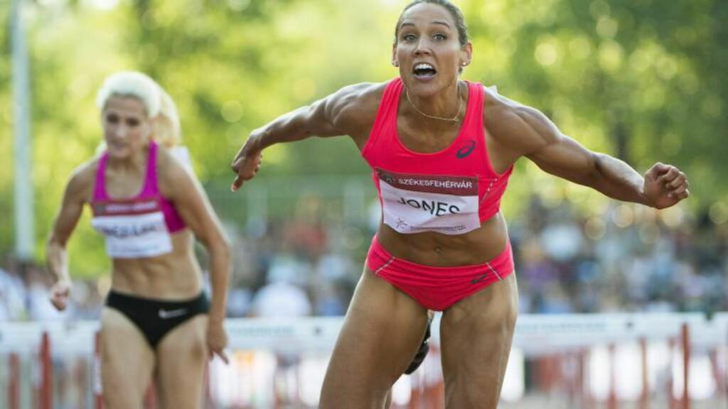 SATSER: Lolo Jones vil til Rio-OL neste sommer. Foto:  EPA/TIBOR ILLYES HUNGARY OUT