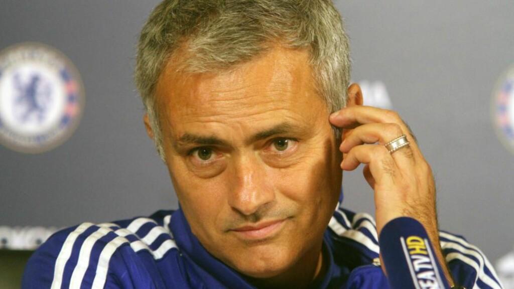 DYRT: Jose Mourinho har betalt over to millioner i bøter til FA etter ting han har sagt eller gjort. Foto: CAP/DS