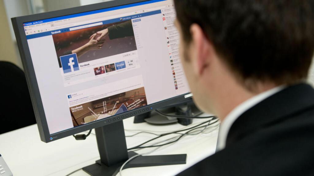 VIL BESKYTTE BRUKERE: Facebook lanserte fredag en varsling som skal gi brukere beskjed hvis deres konto har vært under digitalt angrep fra statlig støttede hackere. «Vennligst sikre kontoene dine nå» lyder beskjeden hvis du har vært uheldig. Foto: Jan Haas / NTB scanpix