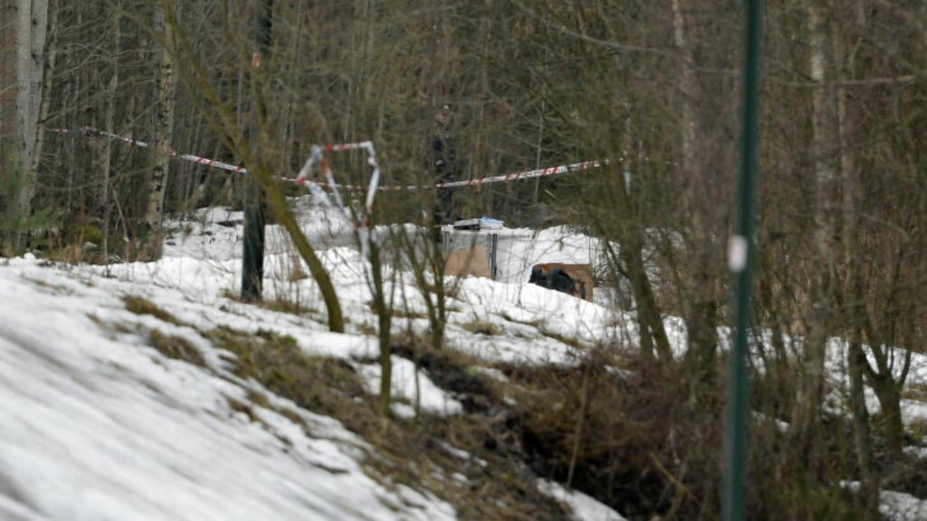 FRAKTET TIL SKOGHOLT: Brødrene fraktet 22-åringen på en gangvei til et skogholt, og la ham i en grøft ved en gangvei. Brødrene fortalte selv politiet hvor drapsofferet lå. Foto: Øistein Norum Monsen / Dagbladet
