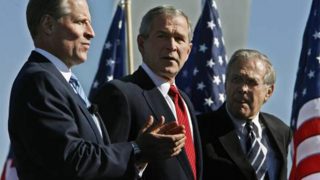 LEDER: Ross Perot jr. ledet det amerikanske luftforsvarets fond for å hedre luftforsvarets veteraner. Her er han i 2006 sammen med president George W. Bush og forsvarsminister Donald Rumsfeld. Foto: Chip Somodevilla/EPA