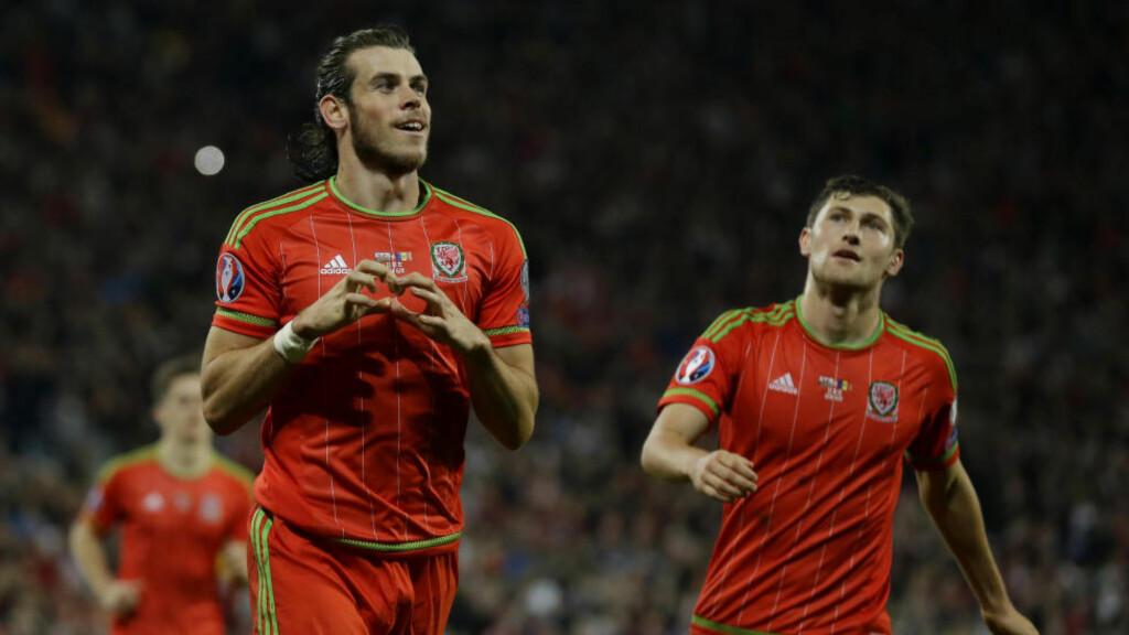 JUBEL: Bale med sin karakteristiske hjerte-feiring mot Andorra, en kamp han nå få kritikk for at han deltok i. Foto: AP Photo/Matt Dunham/NTB Scanpix