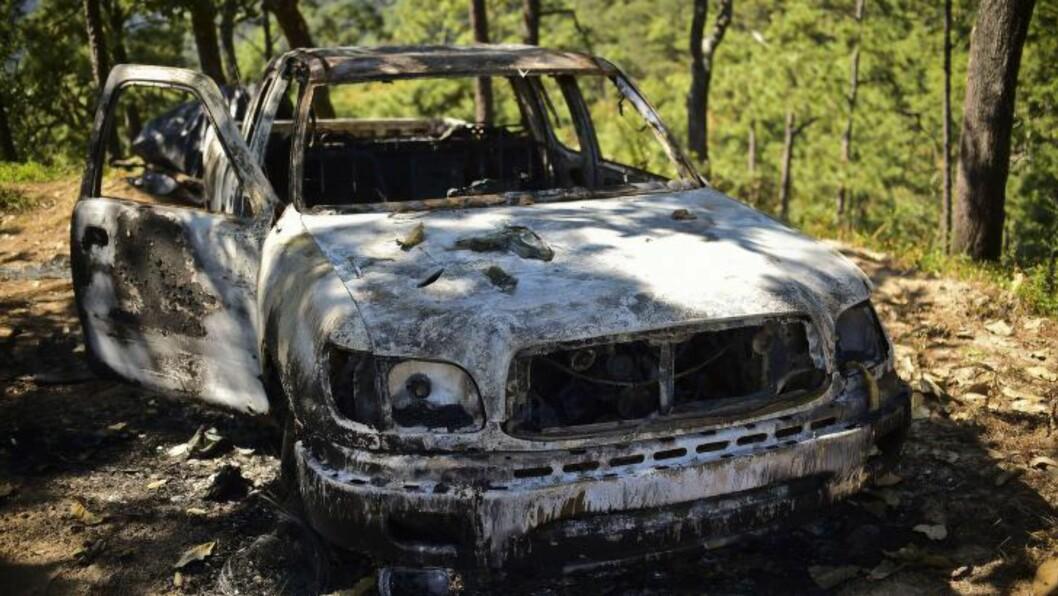 - SIVILE SKADER: Lokalbefolkningen hevder hus og biler er blitt ødelagt i myndighetenes jakt på narkotikabaronen Joaquín «El Chapo» Guzmán. Myndighetene på sin side nekter for at det har skjedd. Foto: RONALDO SCHEMIDT / AFP /Scanpix