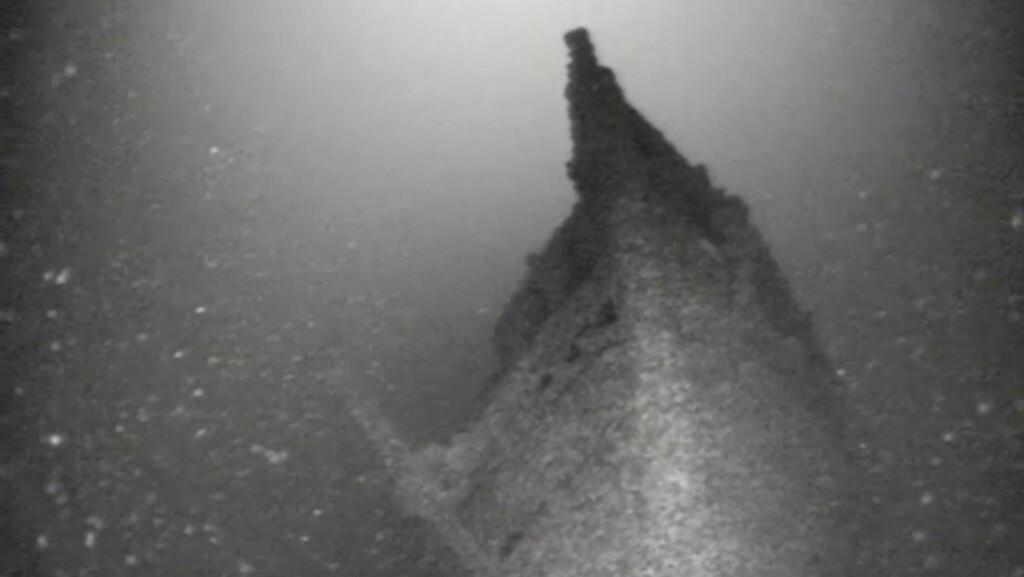 VRAKFUNN: To vrakjegere har funnet det over 150 år gamle vraket av dampskipet Bay State på bunnen av Lake Ontario. Foto: Roger Pawlowski via AP / NTB Scanpix