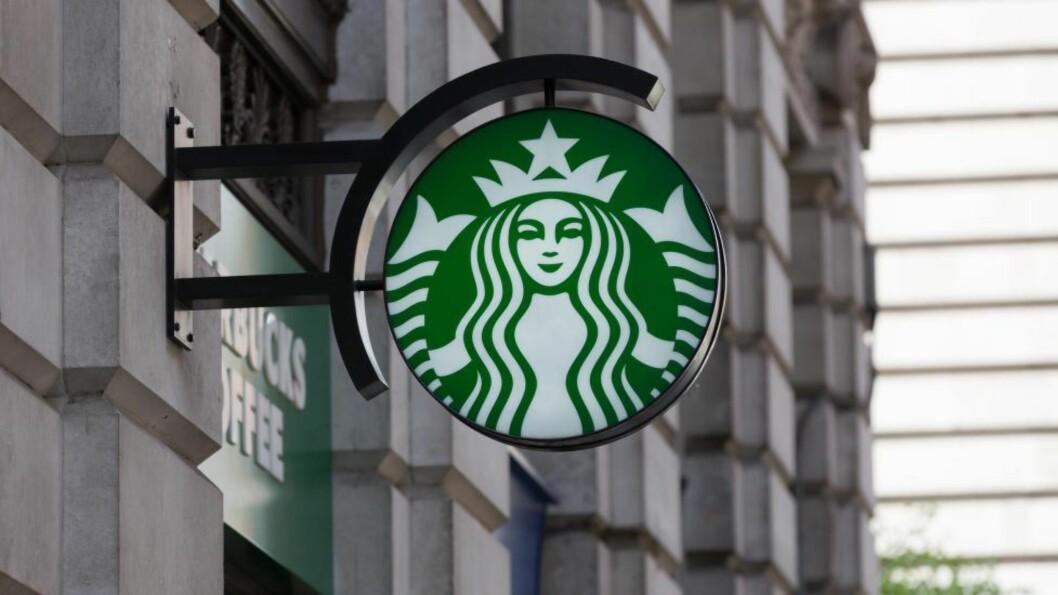 SKATTESMELL:  EU krever etterbetaling av skatt fra kaffekjeden Starbucks. De krever inn inntil 30 millioner kroner fra Starbucks of Fiat. Foto: Ashok Saxena/Demotix/Corbis/NTB Scanpix