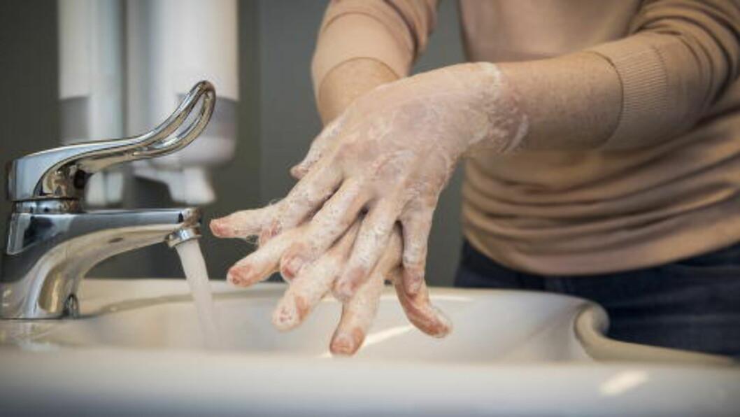 HYGIENE: Håndvask et er av de enkleste og mest effektive tiltakene for å unngå smittespredning. Derfor ønsker danske elever å håndheve håndvasken ved danske sykehus.  Foto: Lars Eivind Bones / Dagbladet
