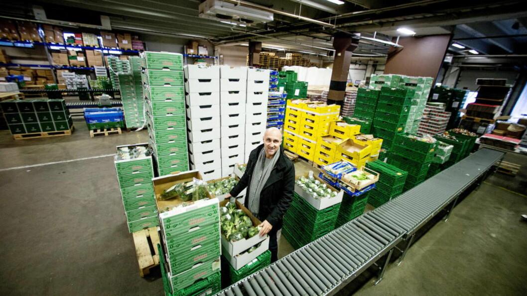 <strong>GRATIS MAT :</strong>  Hver uke gir Ole Martin Alfsen og Godt Levert nærmere to tonn mat til trengende. Foto: Bjørn Langsem / Dagbladet  .