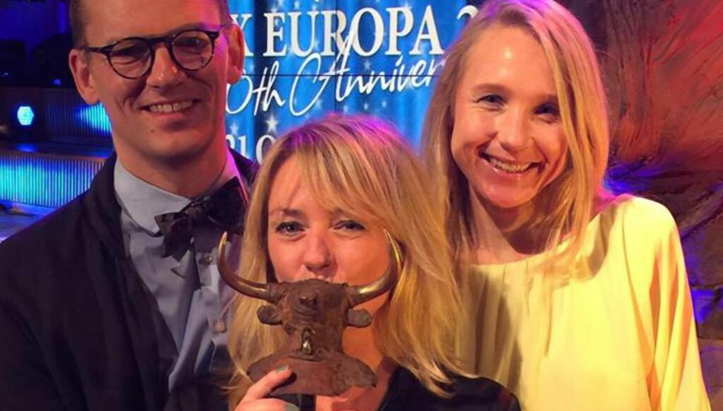 PRIX EUROPA: NRK «Brennpunkt» vant for beste aktualitetsprogram. Her ved f.v. Svend Even Hærra, Inger Sunde og Maria Hasselgård. Foto: Morten Møller Warmedal / NRK