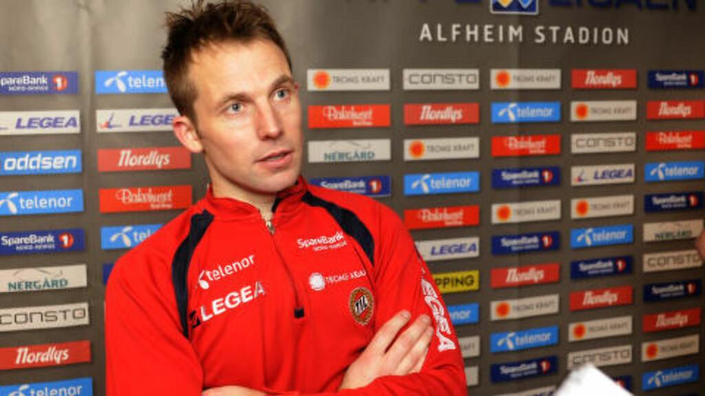 KLUSS: Morten Moldskred hadde forsvunnet fra dommerkortet da han skulle byttes inn mot Sarpsborg 08. Foto: Rune Stoltz Bertinussen / NTB scanpix