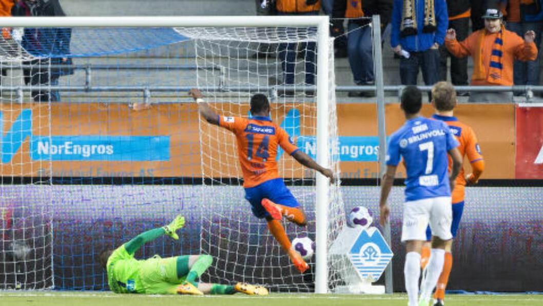 <strong>UTLIGNET:</strong> Aalesunds Leke James satt inn 1-1, men Molde slo tilbake. Foto: Svein Ove Ekornesvåg / NTB scanpix