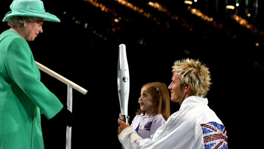 TETT FORHOLD: Kirsty Howard døde natt til lørdag. David Beckham, som etterhvert ble nær venn med den hjertesyke jenta, ga en rørende hyllest på Instagram i natt. Her møter de to dronning Elizabeth i forbindelse med Commonwealth Games.
