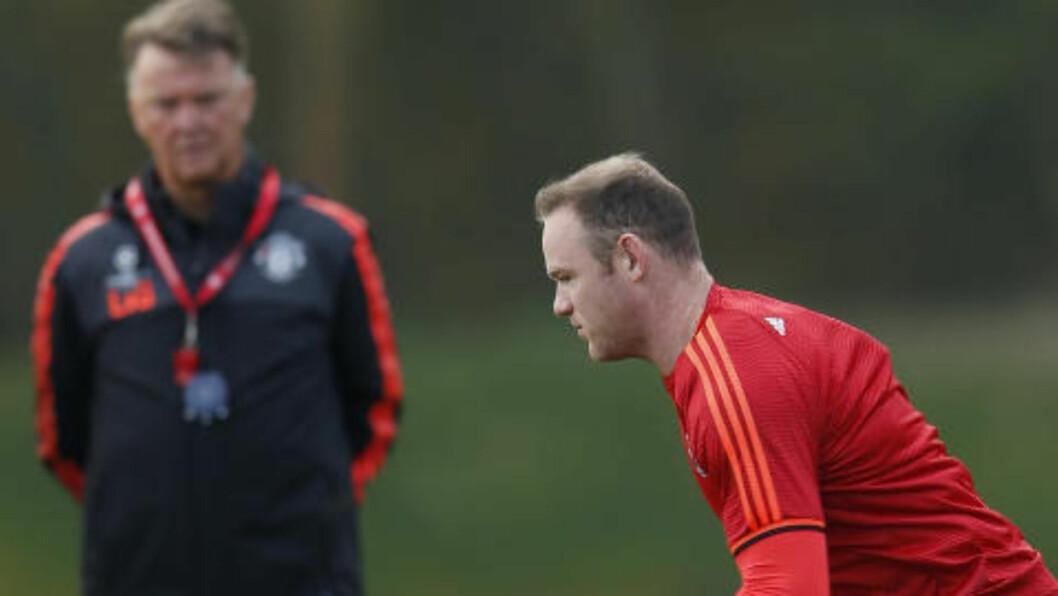 TILLIT: Wayne Rooney og manager Louis van Gaal. Foto: Reuters / Lee Smith