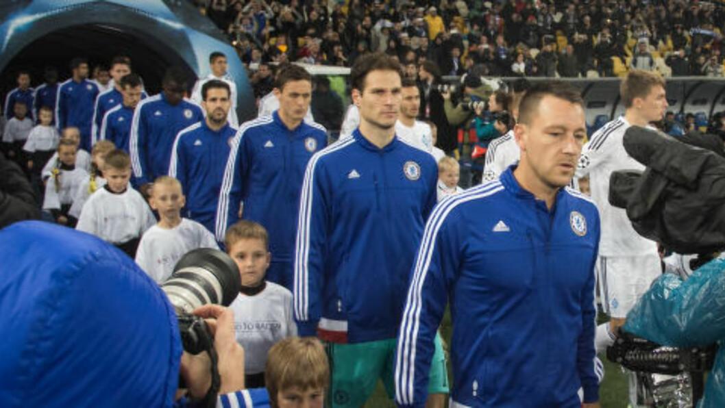 <strong>STYGGE SCENER:</strong> Spillerne ante sannsynligvis lite om de stygge scenene som utspant seg på tribunen under kampen mellom Dynamo Kiev og Chelsea forrige uke. Foto: NTB Scanpix