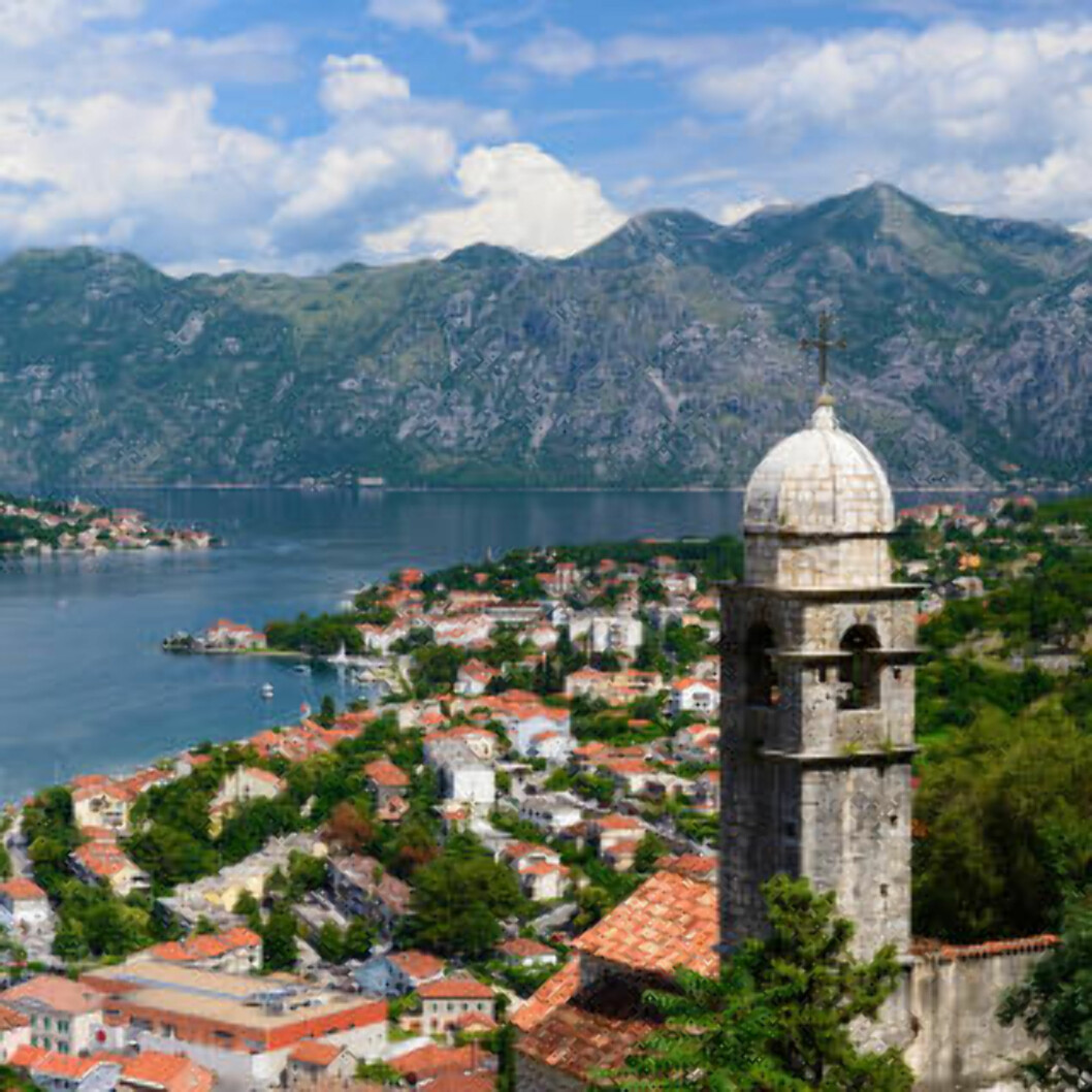 BESTE BY: Skal du bare besøke en by til neste år, må du dra til Kotor i Montenegro, ifølge Lonely Planet. Foto: WINDU / NTB SCANPIX