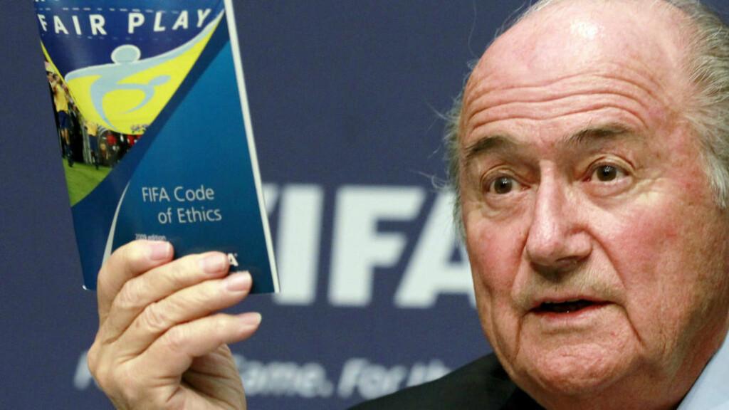 PERSONLIG ANGREP: FIFA-president Sepp Blatter mener at han ble utsatt for et rent personlig angrep da skandalen skjøt fart. Foto: REUTERS/Arnd Wiegmann/Files