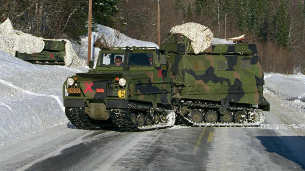 ELDRE TYPE: 27 slike beltevogner, av typen Volvo BV202, ble solgt fra en privat oppkjøper til Russland i 2002. Foto: Torgeir Haugaard/Forsvaret