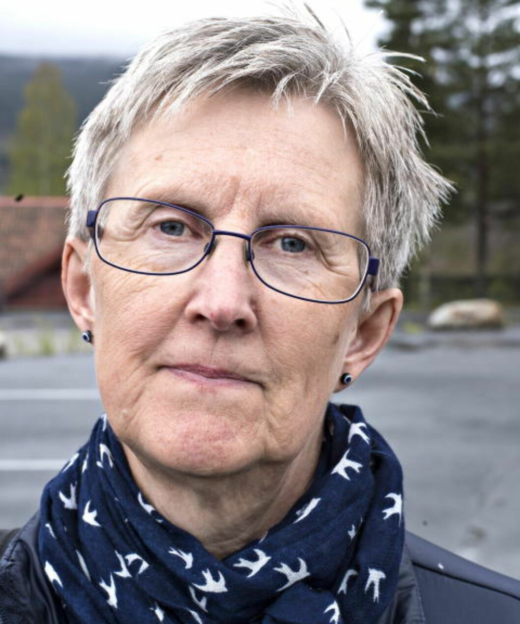 JEVNLIG KONTAKT: Kari Odden Haugen var kontaktlærer for Farida (9) før hun ble sendt ut fra Norge i februar. Nå har hun uke-undervisning med jenta, på telefon. Foto: HANS ARNE VEDLOG