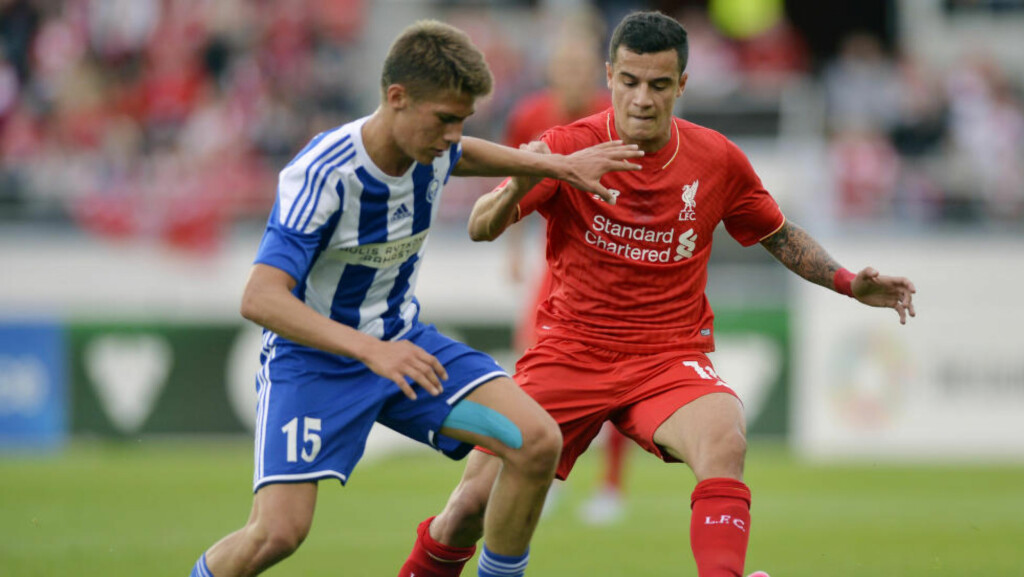 KLAR FOR MOLDE:a HJK Helsinkis Roni Peiponen, her i duell med Liverpool-stjernen Philippe Coutinho, er klar for Molde. Foto:  Action Images via Reuters / Adam Holt Livepic EDITORIAL USE ONLY.
