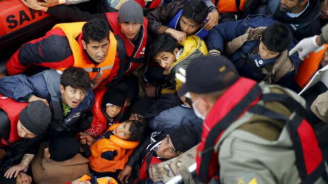 01d33dc9 VIL VIDERE INN I EUROPA Denne gruppen med syriske flyktninger ble reddet  etter et mislykket forsøk