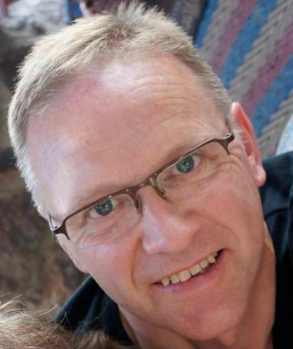 VIER SITT LIV TIL OST: Jan Peter Aursnes skriver om ost på osteperler.no. Foto: Privat