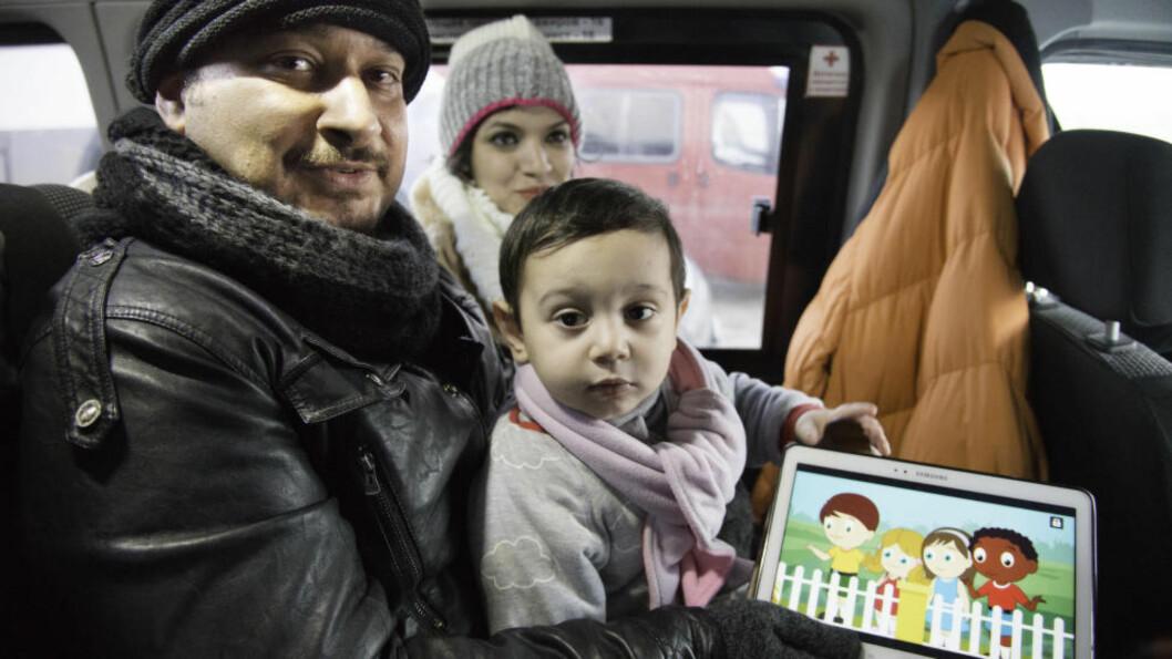 FRA IRAK: Hussein Yahya og kona Sura fra Bagdad flykter fra Irak sammen med sønnen Ali. Tannlegeparet hevder de trues på livet av misfornøyd kunde. Foto: Dagbladet