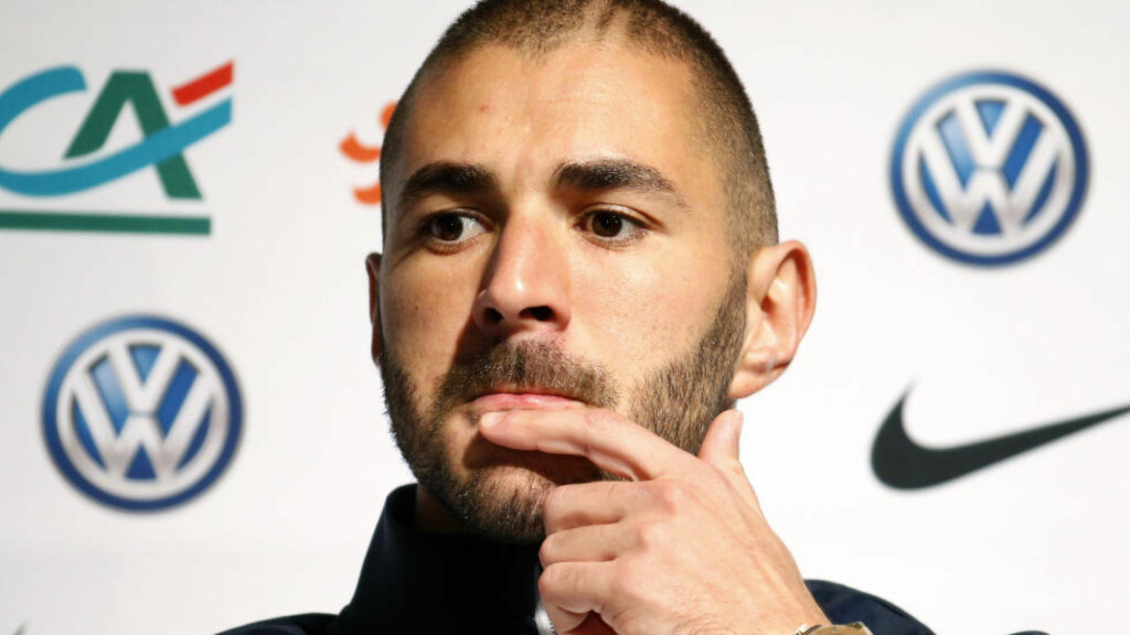 BEKREFTER: Karim Benzema skal ha innrømmet overfor politiet at han hjalp kameraten med å få kontakt med Mathieu Valbuena, som er offer for utpressing. Foto: REUTERS/Charles Platiau/Files