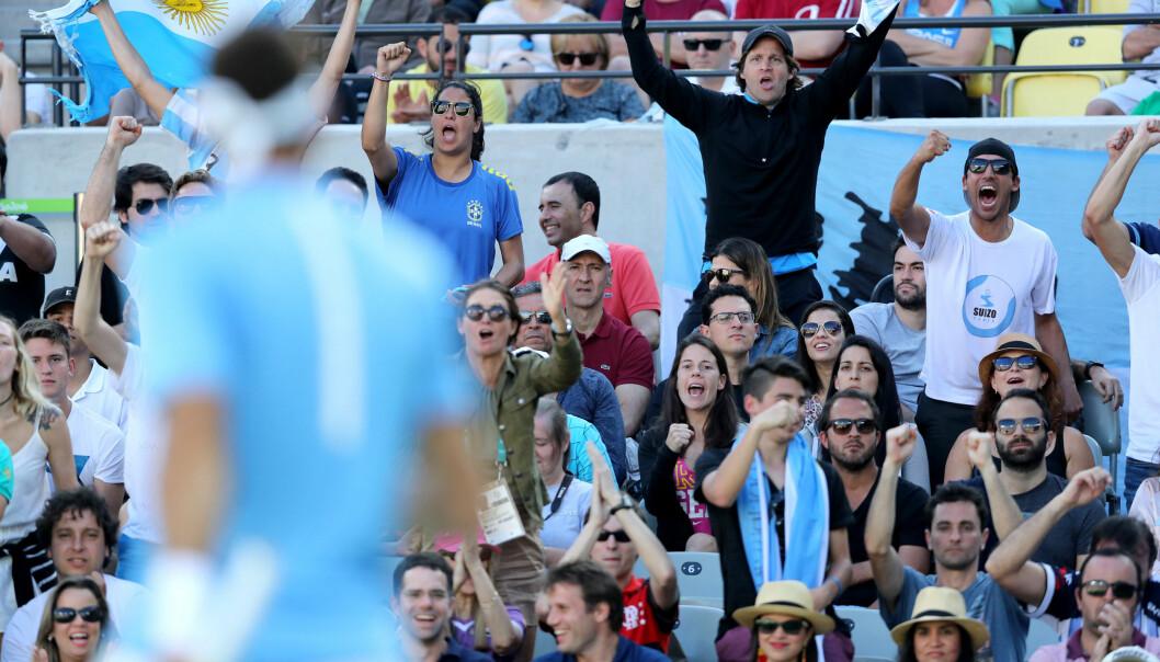 <strong>MANGE FANS:</strong> Juan Martin Del Potro hadde mye støtte fra tribunen. Men også mange holdt med Nadal. Foto: Cristiano Andujar/AGIF&nbsp;