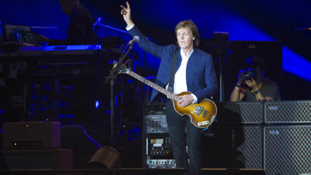 UTSOLGT: Paul McCartney spiller på Telenor Arena i kveld. Her er han under årets Roskildefestival. Foto: NTB Scanpix