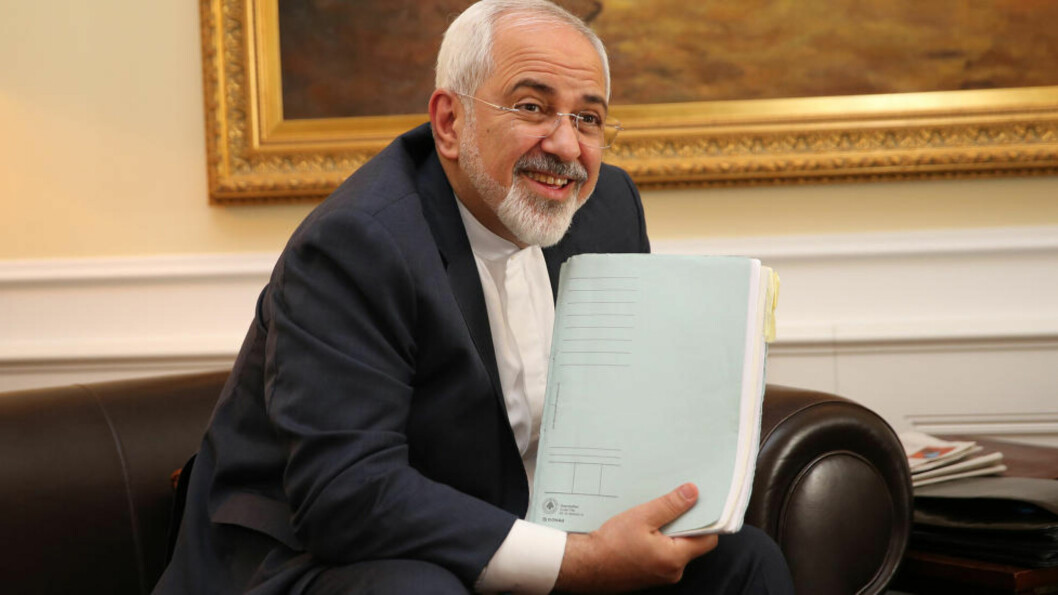 KUNNGJØRING: Irans utenriksminister  Mohammad Javad Zarif vil sammen med EUs utenrikssjef Federica Mogherini snart komme med en felles kunngjøring om Irans atomprogram. Foto: Wahabzadeh Fars/ParsPix/ABACAPRESS.COM