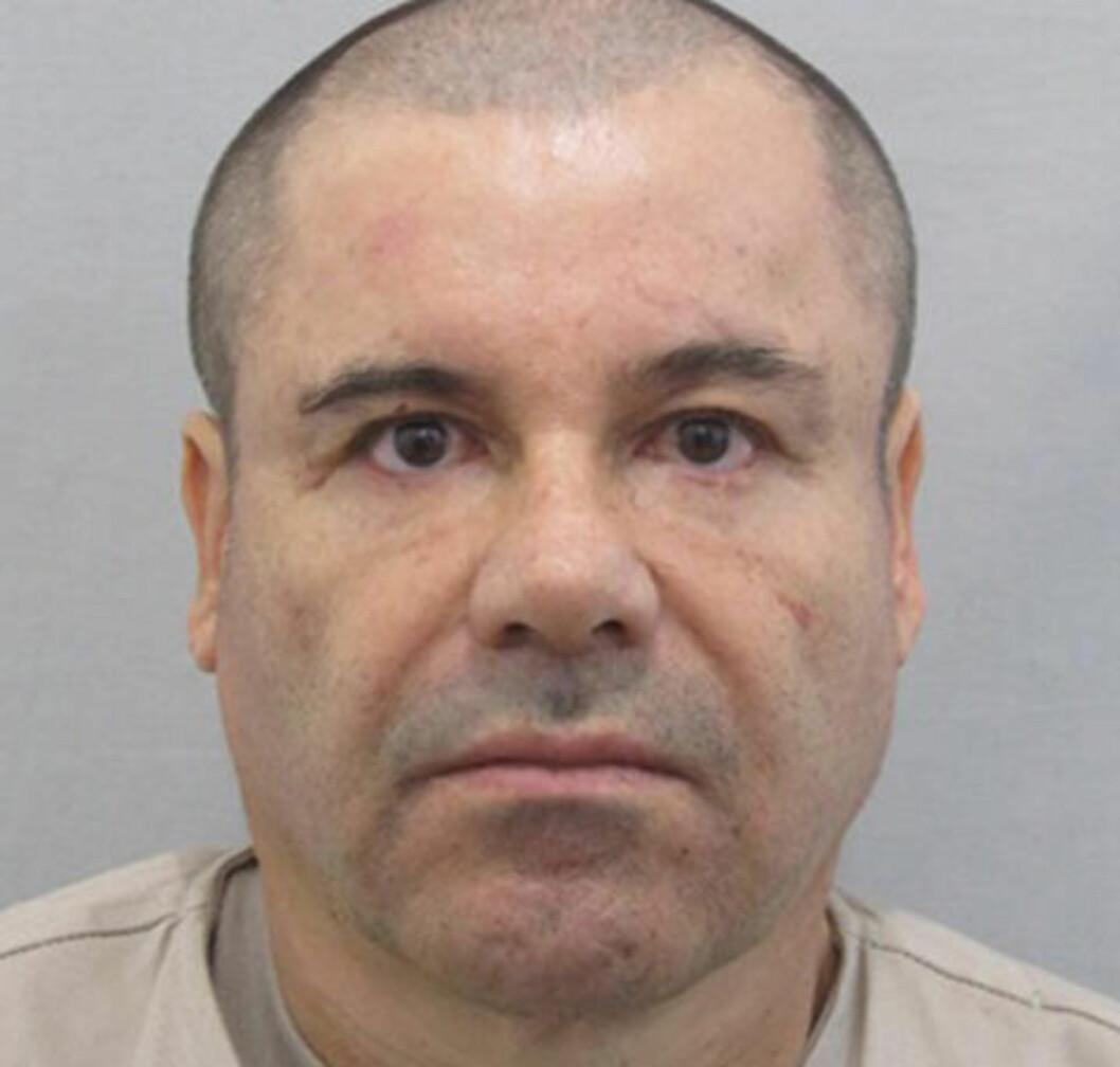 <strong>BERYKTET:</strong> Guzmàn, som også er kjent under navnet «småen», eller «folkefiende nummer én siden Al Capone», var en av verdens mest ettersøkte menn og hadde gjemt seg utrolige steder da han ble pågrepet i fjor. Foto: Mexico's Attorney General's Office via AP / NTB Scanpix