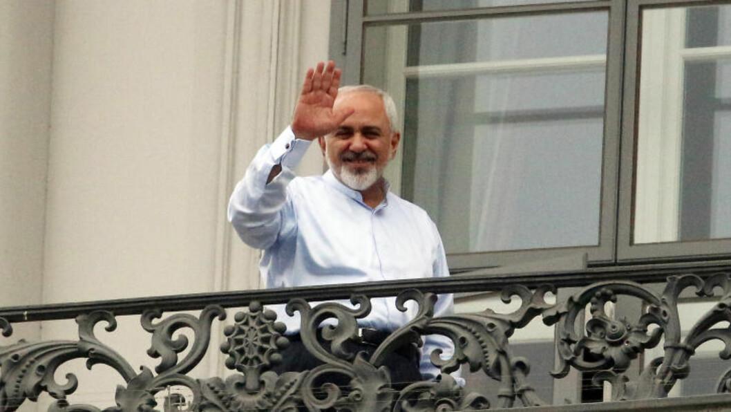 FORNØYD: Irans utenriksminister Mohammad Javad Zarif i Wien i går.  (AP Photo/Ronald Zak) Scanpix