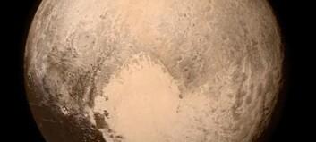 NASA om spektakulært bilde av Pluto: - Kjærlighetsbrev til jorda
