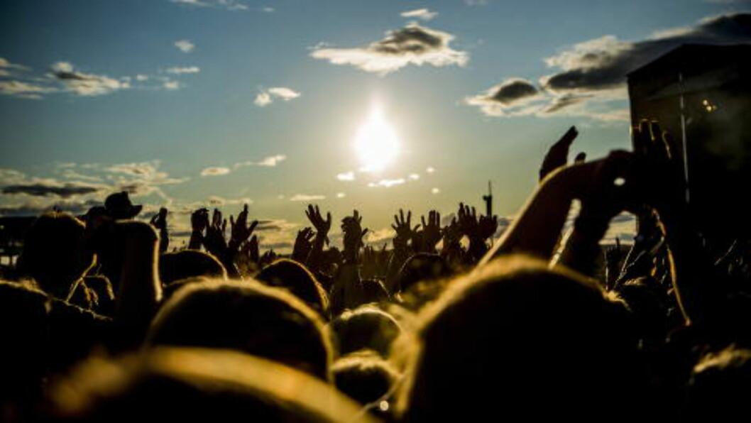 <strong>HAR STENGT SCENER:</strong> Det har vært god stemning ved festivalen tidligere denne uka, men nå hindrer vinden flere konserter. Foto: Christian Roth Christensen / Dagbladet