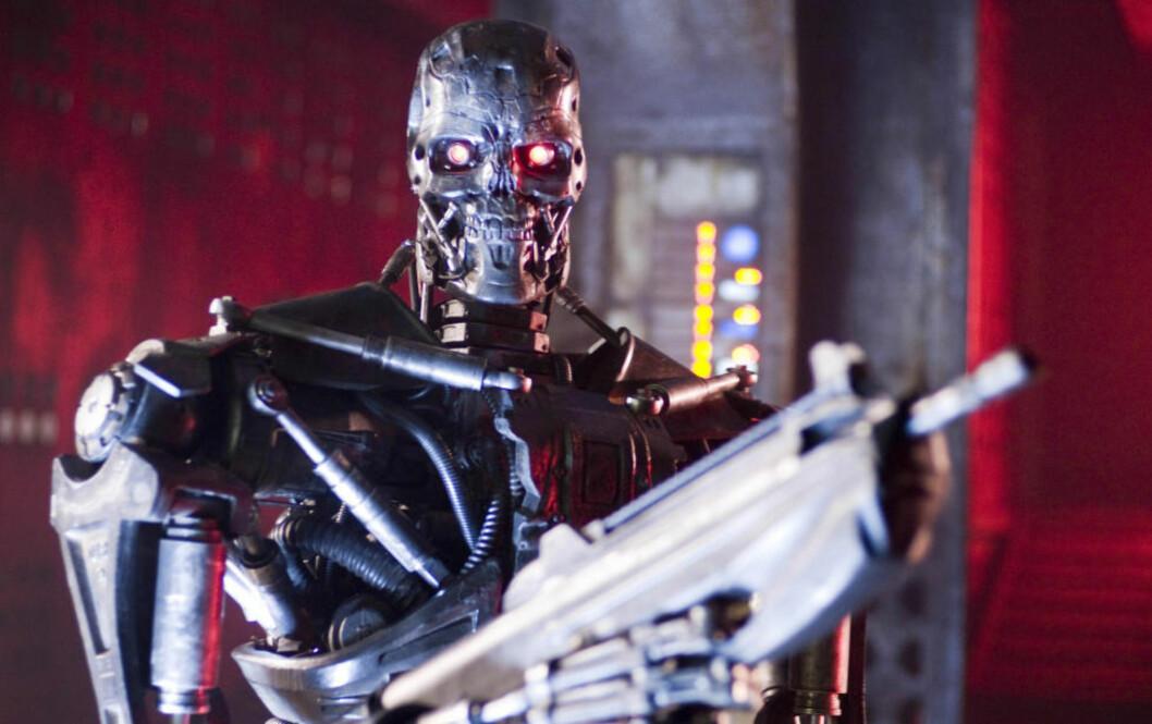 <strong>BER OM FORBUD:</strong> Over 1000 av verdens ledende eksperter og forskere på kunstig intelligens har skrevet under på et åpent brev som advarer mot et nytt våpenkappløp. Her en A T-600 Terminator i en scene fra filmen Terminator Salvation fra 2009. Foto: NTB Scanpix