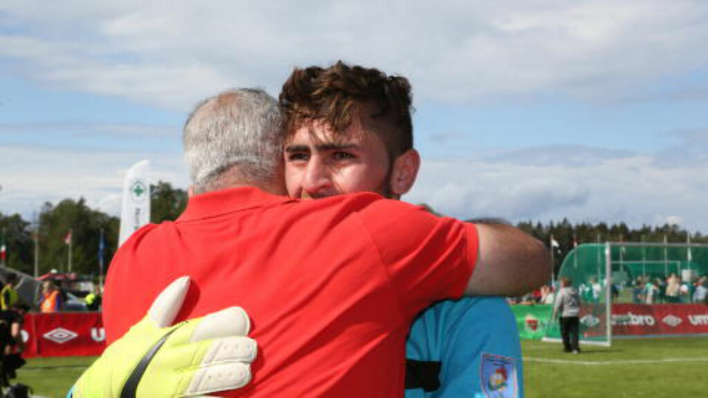 GRÅT: Herish Hasan sleit med å holde tårene tilbake etter å ha sørget for finaleseier. Foto: Ine-Elise Høiby