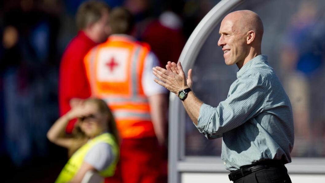 <strong> BYGGMESTER BOB:</strong>  Morten P. mener bare Stabæk og Bob Bradley kan true Rosenborg denne sesongen. Foto: Jon Olav Nesvold / NTB scanpix
