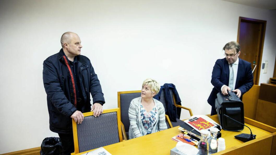 <strong>VARIG HUKOMMELSESTAP:</strong> Etter elektrosjokkbehandling mot depresjon, kunne ikke Steinar Hestad (53) en gang huske noe fra dagen han giftet seg med Monica Ørbakk Hestad (40). Foto: Bjørn Langsem