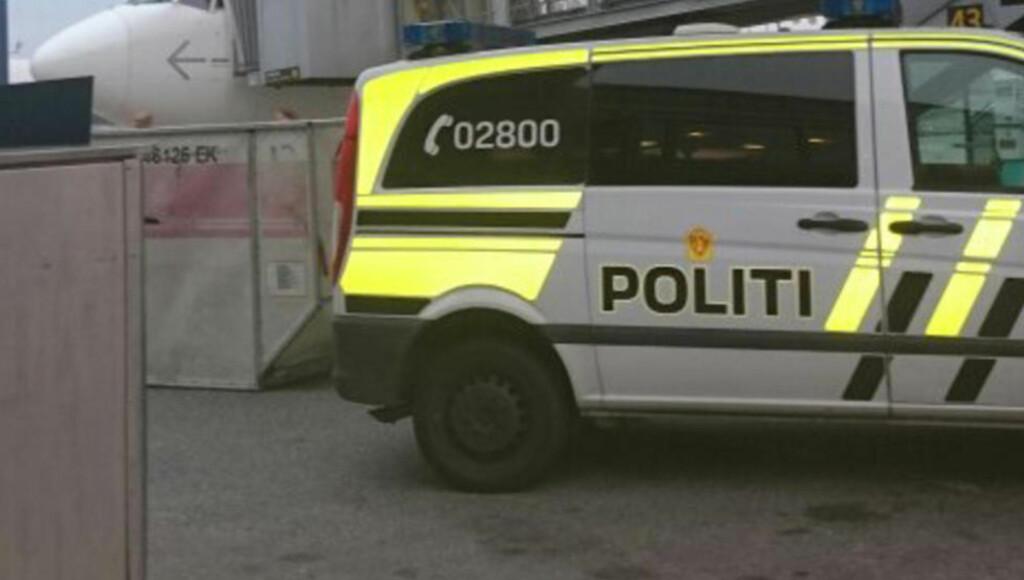 FIKK TIPS: Politiet stoppet fire latviske besetningsmedlemmer fra å fly et charterfly til Kreta etter å ha mottatt et tips. Mandag framstilles de fore varetekt. Foto: Tipser