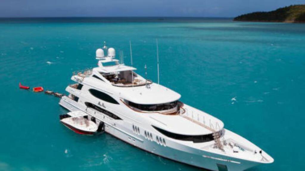LUKSUS-YACHT: Kronprinsfamilien tilbrakte deler av sommerferien om bord på yachten «Mia Elise». Foto: CharterWorld