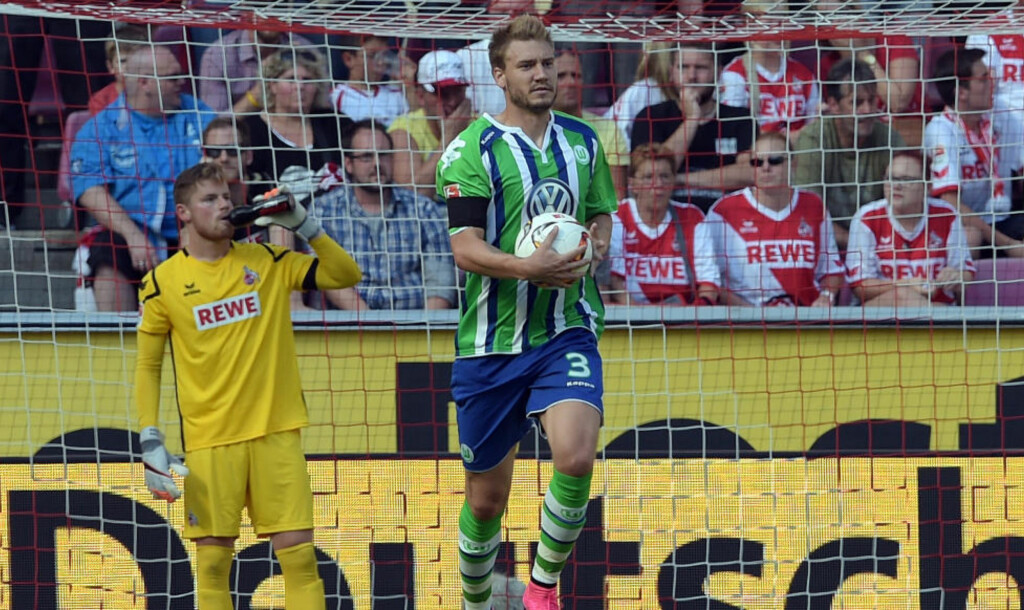 SUPERINNBYTTER: Etter tre mål i sesonginnledningen har Nicklas Bendtner plutselig blitt en meget populær mann i Wolfsburg. Han har til og med fått et nytt kallenavn.  «Mr. Effektiv» har den danske spissen blitt døpt av Wolfsburg-fansen. Foto: FEDERICO GAMBARINI/DPA/NTB Scanpix